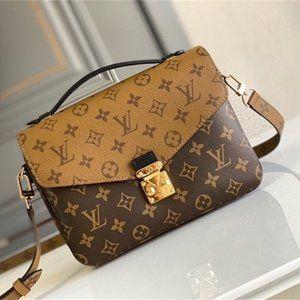 💕Louis Vuitton-POCHETTE MéTIS Shoulder Bag